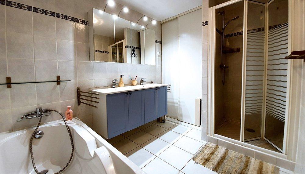 Salle de bain chambre hôtes Sète